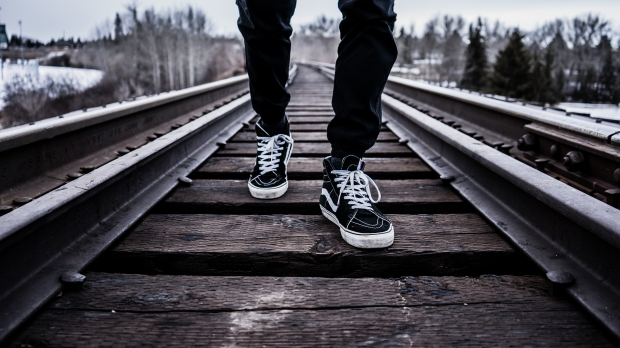 Train track shoes